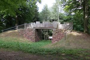 Die Rekonstruktion des Tors der Befestigungsanlage