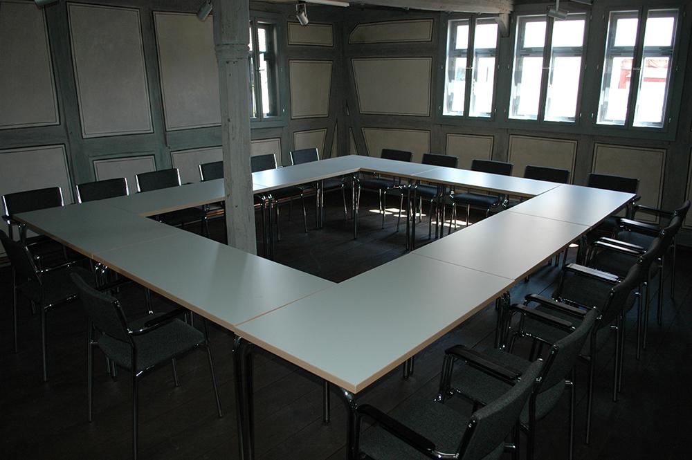 Der Ratssaal im Obergeschoss kann für Sitzungen genutzt werden.