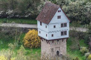 Das Topplerschlösschen bei Rothenburg o.d.T., 1388. Blickrichtung: West. Quelle: Wikimedia Commons