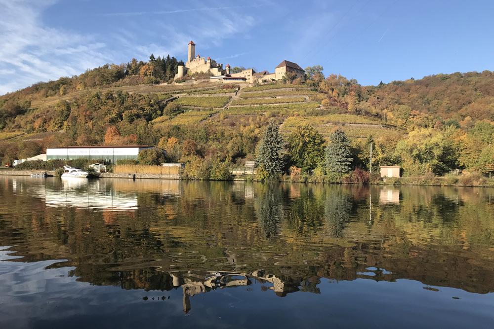 Ein von weitem sichtbares Wahrzeichen am Neckar: Burg Hornberg. Foto: Dajo von Gemmingen-Hornberg