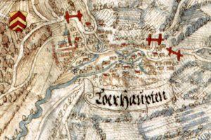 """Die älteste bildliche Darstellung Lohrhauptens auf der sog. Hoffmann-Karte von 1584 zeigt die Matthäuskirche mit """"Fünfknopf-Turm"""". Quelle: Staatsarchiv Würzburg, Mainzer Risse und Pläne 34."""
